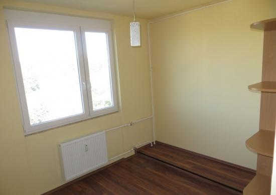 Echipa de meseriasi cu experienta renovam de la A la Z orice fel de apartament sau casa inclusiv san
