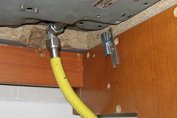 Racord flexibil de gaz galben