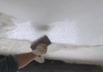 Umezirea tavanului cu bidineaua