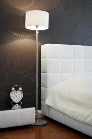 Corpuri de iluminat in dormitor