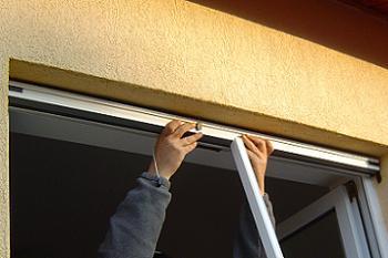 Montare caseta in tocul ferestrei
