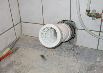 Teava de scurgere pregatita pentru montarea obiectelor sanitare