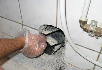 Extragerea segmentului de teava PVC