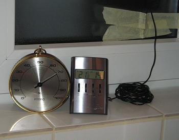 Punctul de Roua la Termopane - Masurarea temperaturii foii interioare de           geam cu un termometru cu senzor cu fir si masurarea umiditatii relative