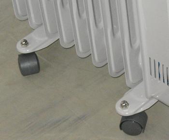 Rotilele permit mutarea caloriferului electric