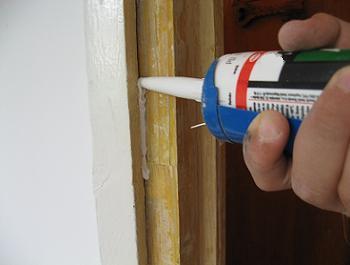 Cum se aplica siliconul acrilic