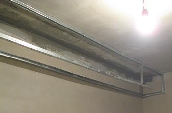 Profile metalice pentru gips carton montate pe hol