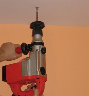 Gaurim tavanul cu bormasina