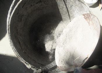 Cum se prepara adezivul pentru tencuiala