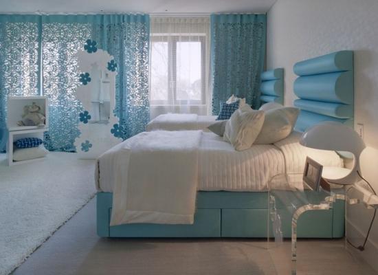 Dormitor superb pentru copii mobilat cu mobila bleu cu alb