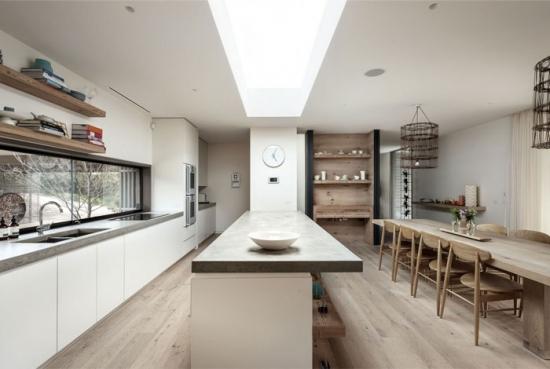 Mobila de bucatarie moderna cu blat de granit