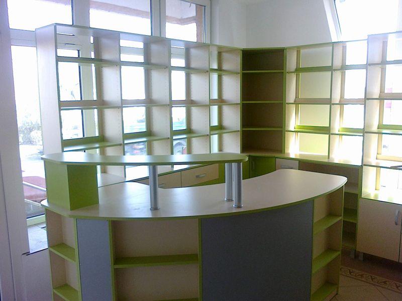 mobila pentru farmacii de culoare verde