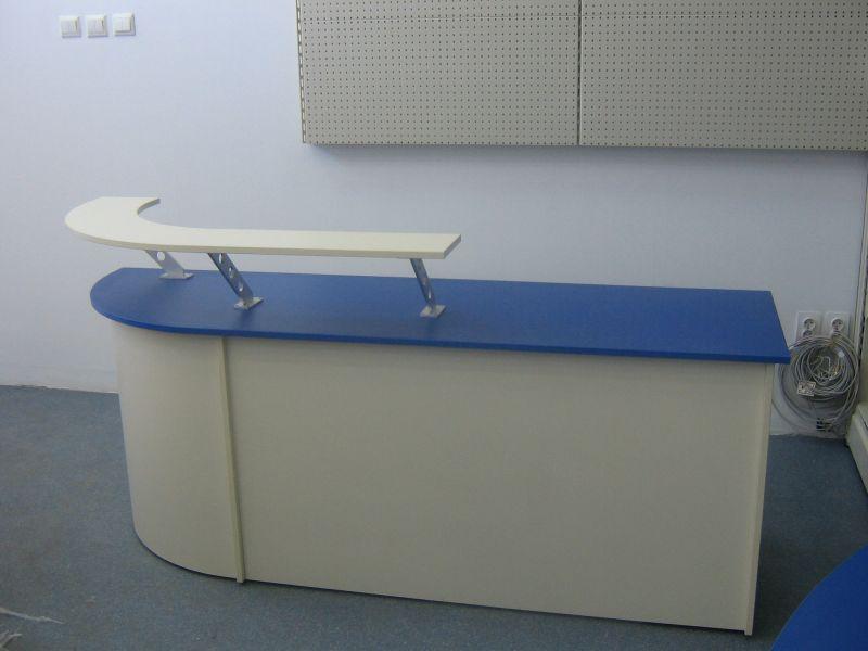mobilier de receptie de culoare albastru cu alb