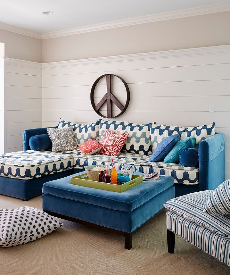 Canapea de colt albastra cu imprimeu