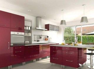 Bucatarie culoarea aubergine sau culoarea  violet pruna