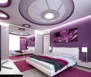 Dormitor mov cu alb