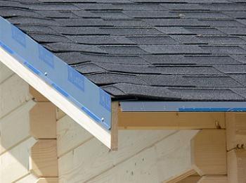 Case de lemn acoperis sindrila bituminoasa