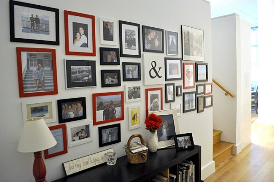 Decorarea unui perete inspirational in hol