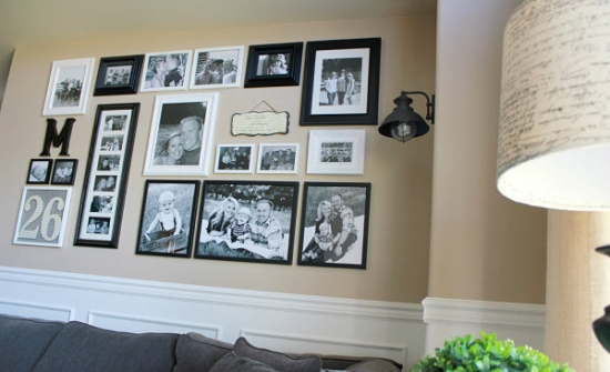 Varianta de asezare a tablourilor deaspura canapelei