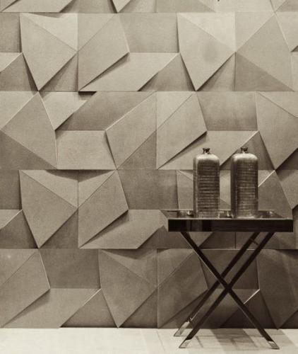 Tapet origami si masa de fier