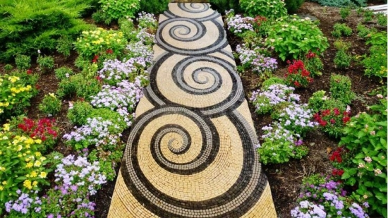 Alee cu mozaic circular