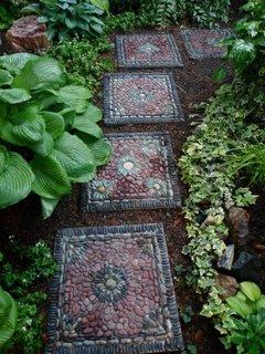 Dale patrate mozaicate pentru alei gradina