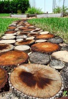 Alee rustica din rondele din lemn