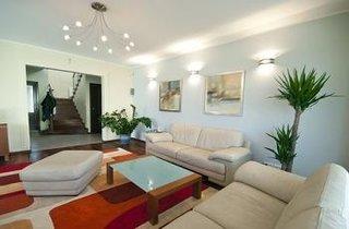 Amenajari apartamente stil modern minimalist canapele