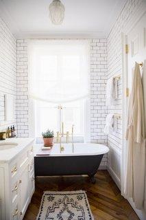 Pardoseala din lemn pentru o baie de serviciu moderna