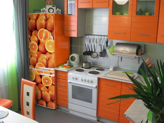 Design bucatarie in portocaliu