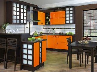 Mobilier bucatarie decorat cu portocaliu