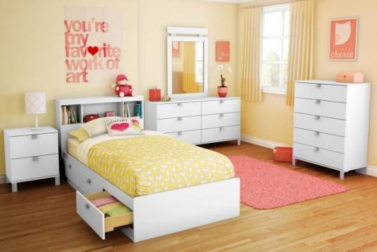 Dormitor galben fete