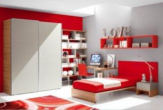 Dormitor rosu fete