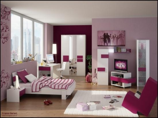 Dormitor roz fete