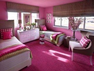 Dormitor clasic pentru fete culoare roz