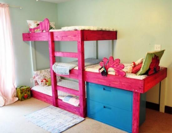 Dormitor cu pat supraetajat