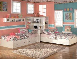 Dormitor frumos pentru 2 fetite