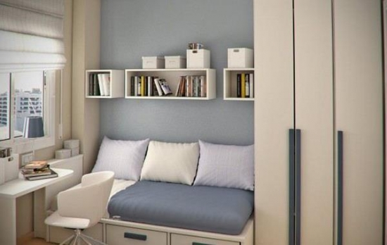 Dormitor cu divan si birou