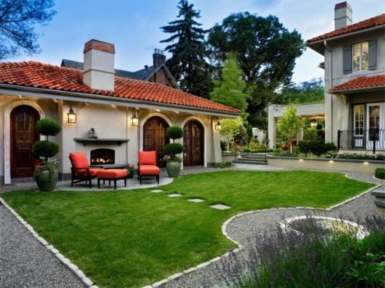 Casa cu semineu exterior si terasa