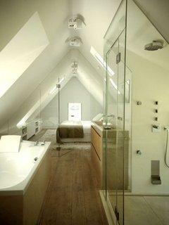 Dormitor si baie la mansarda