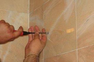 Mobilier baie oglinda cu dulap lemn surub stanga unealta surubelnita