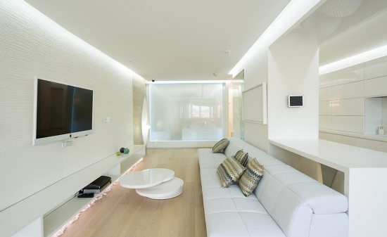 Living modern minimalist amenajat integral in alb