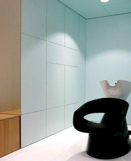Scafa coafor pentru spalare pe cap in salon de infrumusetare