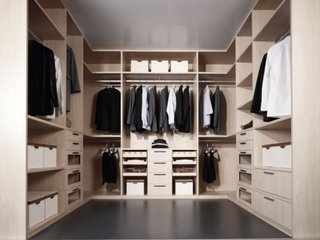 Dressing walk-in dressing cu rafturi si sertare