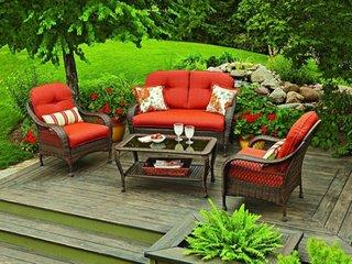 Garnitura de mobilier de gradina cu perne portocalii