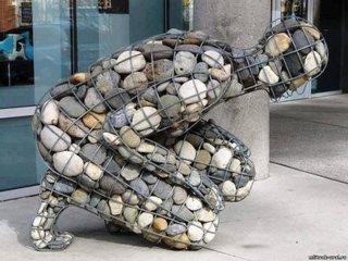 Statuie de gradina din gabioane