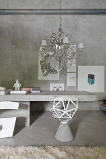 Pereti si mobilier din beton pentru birou