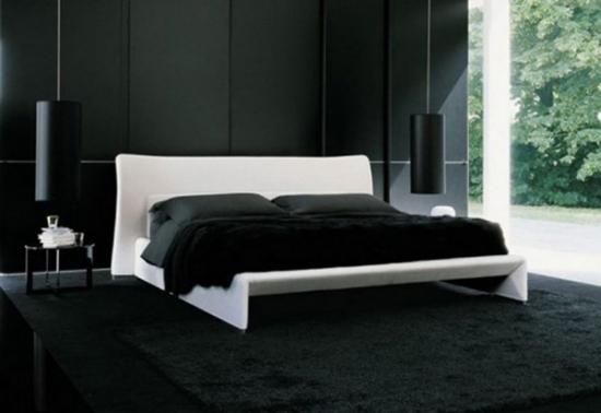 Dormitor cu pereti negri pat alb si ferestre mari