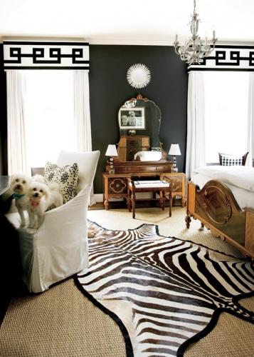 Dormitor decorat in alb si negru