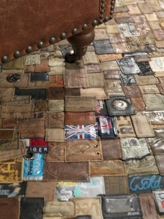 Covor hand made realizat din etichete de jeans
